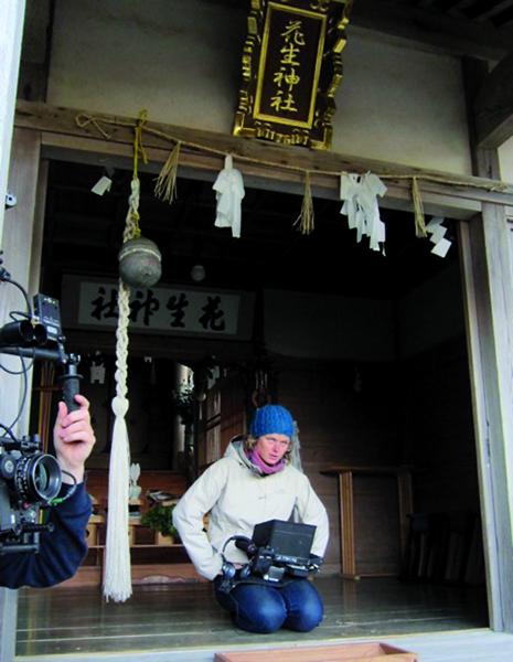 Vanja D'Alcantara pendant le tournage.