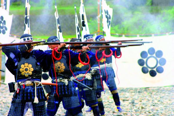 L'une des grandes attractions est la séance de tir réalisée par les arquebusiers avec des armes vieilles de plus de 300ans. -Angeles Marin Cabello pour Zoom Japon-