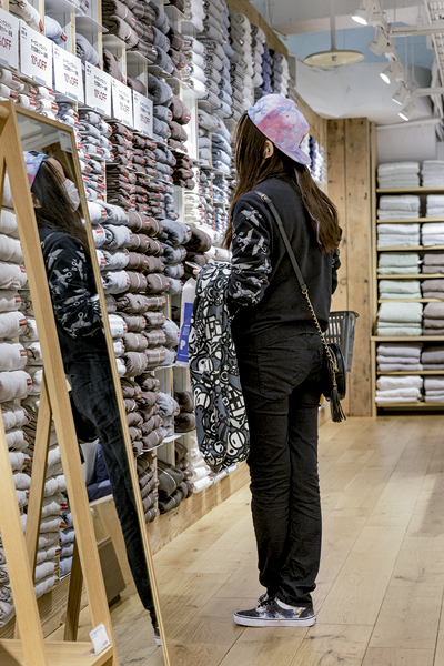 Le textile représente 35% des références de Muji. -Jérémie Souteyrat pour Zoom Japon-