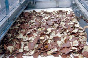royce'-chocolat-chips-usine-ishikari-futomi-japon