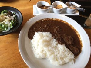 samourais-curry-boeuf-japon