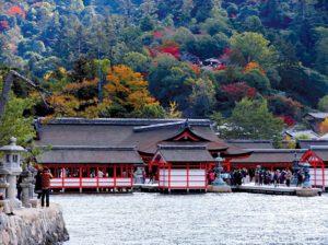 sanctuaire-itsukushima-miyajima-japon