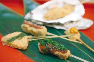 recette-kushiage-brochettes-daubergine-de-gambas-et-de-foie-grasa-japonais