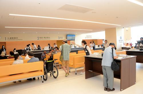 Il y avait peu de patients le 1er septembre après l'inauguration. ©Ishinomaki Hibi Shimbun