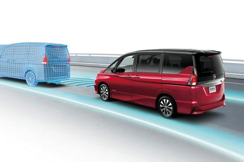 Commercialisé fin août, le monospace Serena est doté de la technologie de conduite autonome ProPilot. (DR)