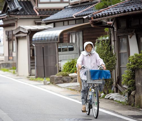 Près de la moitié des 15000 habitants de Suzu a plus de 65ans.©Richard Atrero de Guzman pour Zoom Japon