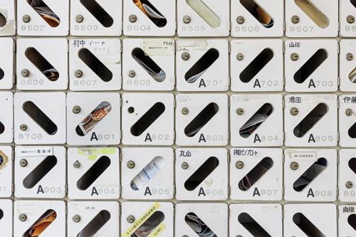 Actuellement près de la moitié des 140 capsules ne sont plus occupées par leurs propriétaires. / Jérémie Souteyrat pour Zoom Japon