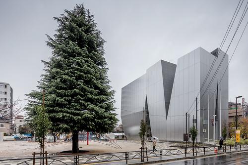 La réalisation du nouveau musée tokyoïte a été confiée à Sejima Kazuyo. / Jérémie Souteyrat pour Zoom Japon