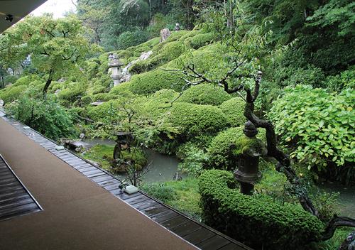Le restaurant Kao no niwa, à Kôchi, possède lui aussi un magnifique jardin. / Johann Fleuri pour Zoom Japon