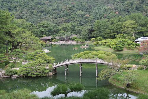 Le Ritsurin est considéré par les habitants de Takamatsu comme l'un des plus beaux jardins japonais du pays. / Johann Fleuri pour Zoom Japon
